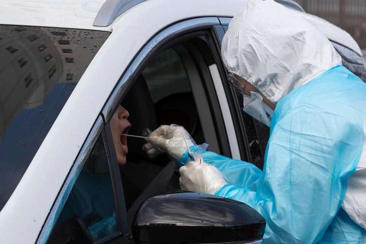 Інший вимір. У Швейцарії і Німеччині вже почали робити швидкі тести на коронавірус