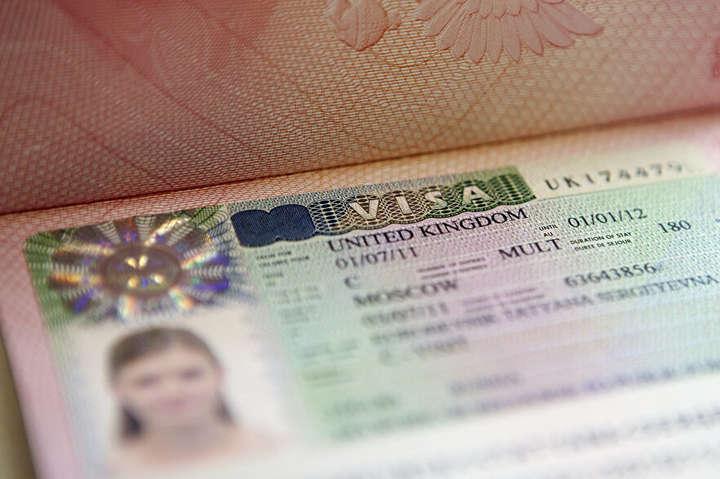 Велика Британія продовжить візи громадянам України - Британія продовжить візи українцям, які не встигли повернутись додому