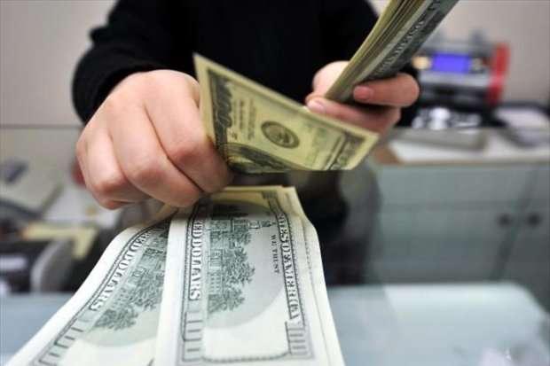 Нацбанк відновив постачання готівкового долару в Україну