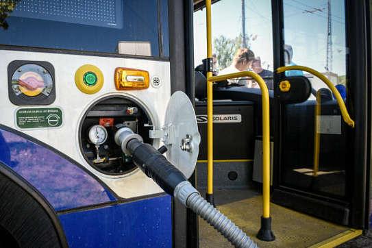 У столиці Латвії почали їздити тролейбуси, заправлені воднем