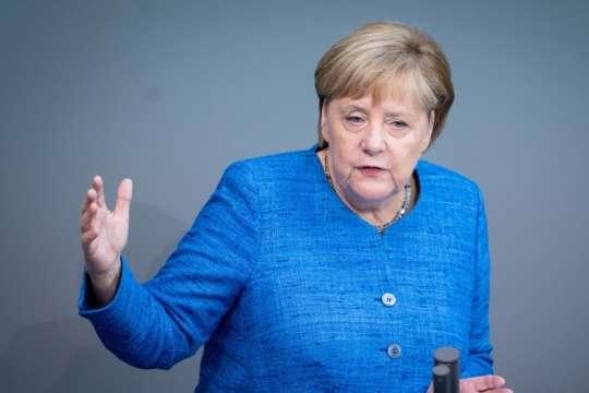 Ангелі Меркель зробили другий тест на коронавірус - Меркель отримала результати другого тесту на коронавірус