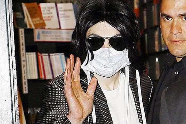Поп-король Майкл Джексон - Когда не было коронавируса: Майкл Джексон боялся пандемии и всегда надевал маску