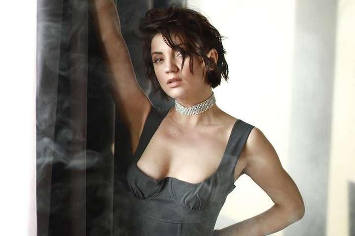 <p>Певица Оля Цибульская решила раздавать советы во время карантина</p> <div></div> <p> — Оля Цибульская восхитила мужчин сексуальной фигурой в кружевном белье (фото)»></p></div> <div class=