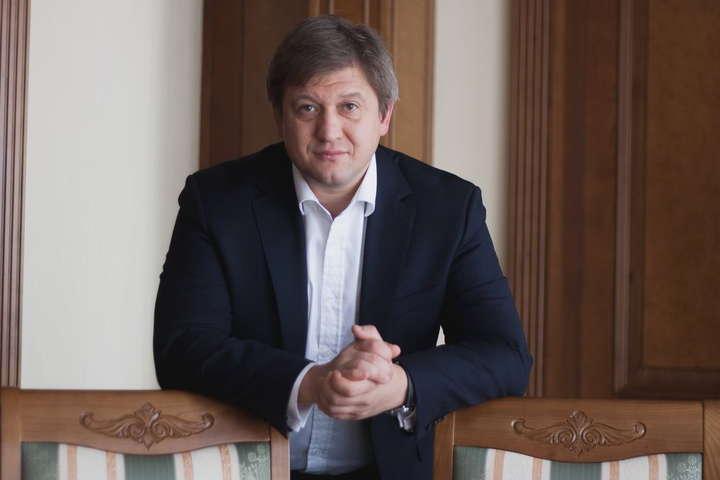 Олександр Данилюк вважає, щосвіт втомився від того, що ми себе вже стільки часу позиціонуємо жертвою війни, хоча це є абсолютною правдою - Екссекретар РНБО: Росія скористається коронавірусом