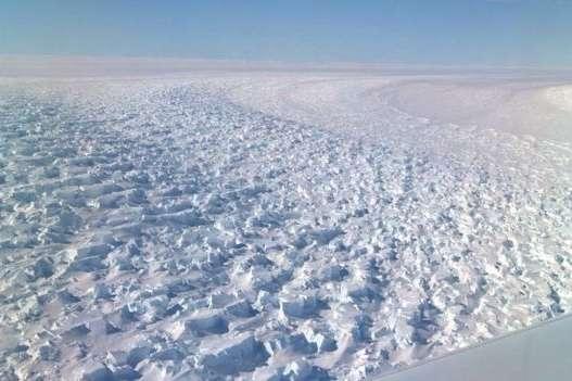 <p>Льодовик Денмана втратив понад 270 млрд тонн криги з 1979 по 2017 роки</p> <p>Фото: NASA/J.SONNTAG</p> <p>&nbsp;</p> <p> — Найглибший льодовий каньйон у Східній Антарктиці може розтанути, – дослідження NASA»></p></div> <div class=
