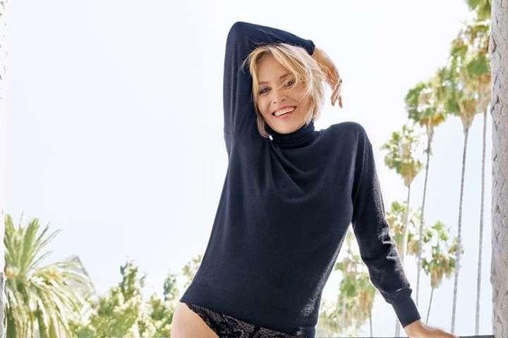 <p>Шэрон Стоун очаровала фанатов стройными ножками</p> <div></div> <p> — 62-летняя Шэрон Стоун в трусиках призвала соблюдать карантин»></p></div> <div class=