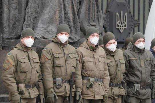 <span>У 48-ми осіб закінчується термін ізоляції у найближчі 5 діб</span> — 145 військових перебувають на карантині – Міноборони «></div> <p><span>У 48-ми осіб закінчується термін ізоляції у найближчі 5 діб</span></p> </p></div> <p>У Міністерстві оборони України повідомили, що станом на 26 березня 145 українських військовослужбовців перебувають на карантині через підозру на коронавірус.</p> <p>Про це<a href=