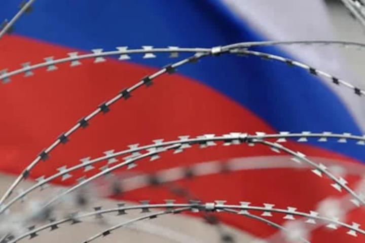 Указ Путіна, який забороняє українцям володіти землею в Криму, підсилює основу для санкцій
