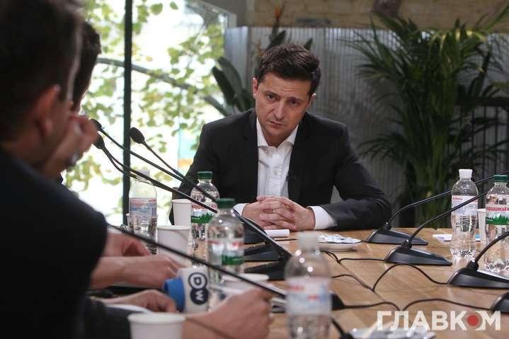 Володимир Зеленський під час пресмарафону - Зеленський зустрівся з главами парламентських фракцій