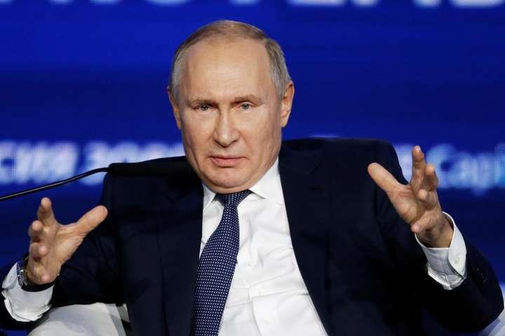 Росія стрімко рухається в напрямку економічного колапсу