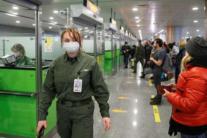 Обіцянка Зеленського закрити кордони не виконана. «Бориспіль» сьогодні-завтра прийме майже два десятки рейсів
