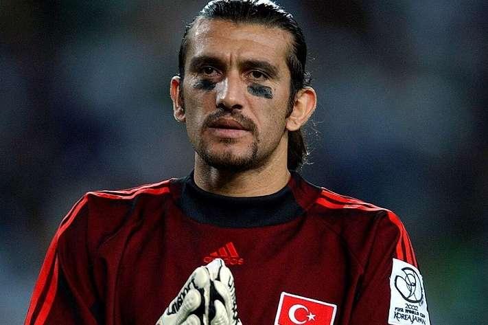 Славетний футболіст у критичному стані - Легенда турецького футболу у критичному стані - коронавірус дав ускладнення