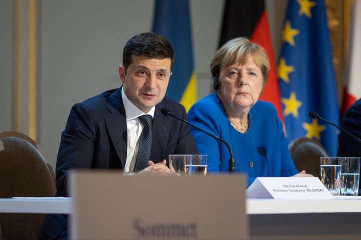 Володимир Зеленський та Ангела Меркель провели телефонну розмову - Зеленський домовився з Меркель про кредит на €150 млн для боротьби з Covid-19