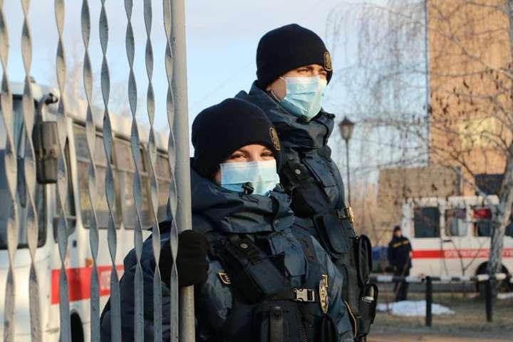 МВС та Нацгвардія контролюватимуть дотримання правил карантину в публічних місцях