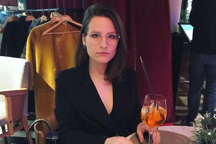 Дочь российского актера и писателя Ивана Охлобыстина Анфиса - У дочери российского актера, который желал украинцам смерти, обнаружили коронавирус