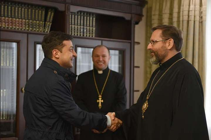 <p>Президент України провів зустріч з&nbsp;главою УГКЦ&nbsp;блаженнішим Святославом</p> - Президент України закликав УГКЦ транслювати великодню службу онлайн