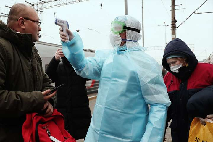 Температурный скрининг для выявления потенциально зараженных коронавирусом - Число зараженных коронавирусом в Украине приблизилось к 2000