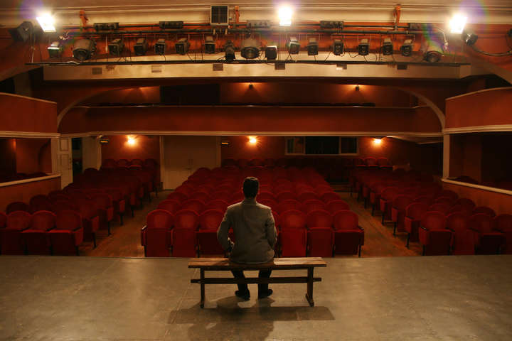 """<img src=""""/img/forall/users/49/4935/teatr_01.jpg"""" alt=""""Театр"""" width="""""""" height="""""""" itemprop=""""image"""" /> — Всесвітній антракт. Як українські театри переживають карантин"""