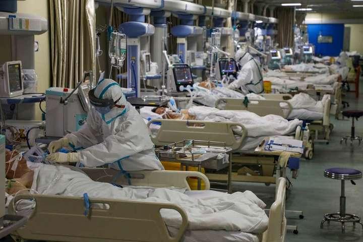 Ученые выяснили, кто чаще умирает от коронавируса - мужчины или женщины -  Главком