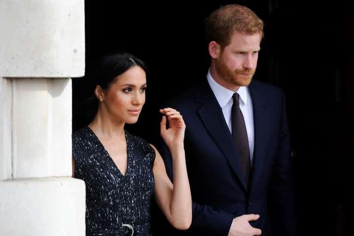 Меган Маркл и принц Гарри - Меган Маркл и принцу Гарри дали 11 лет на погашение долга перед Великобританией