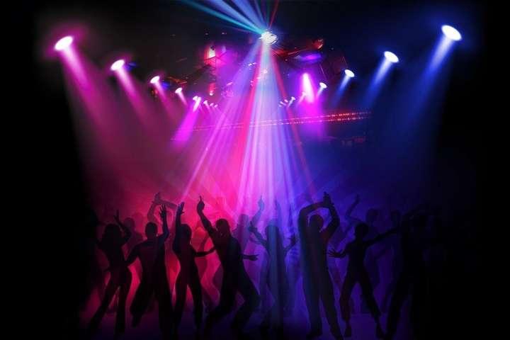 Работа киев в ночных клубах пьяные девочки в ночном клубе