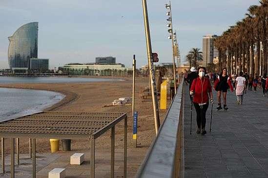Іспанія може повернути туристів у країну вже влітку — Іспанія хоче ввести «безпечні коридори» для туристів
