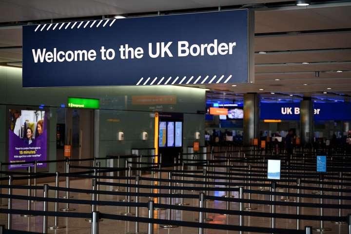 Британія з 8 червня вводить двотижневий карантин для всіх туристів — Британія вводить двотижневий карантин для всіх туристів