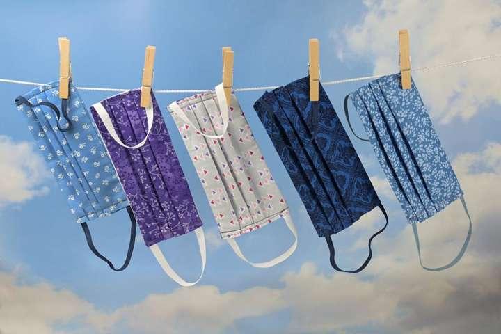 Найпростіший спосіб дезінфекції маски в домашніх умовах <span>&mdash;&nbsp;</span>прання гарячою водою і миючими засобами - Медики назвали найпростіший спосіб дезінфекції маски
