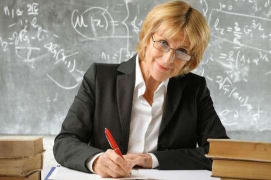 pВчителям віком 60+ міністерство освіти дозволить працювати за гнучким графіком/p p/p - Після карантину для вчителів віком понад 60 років зроблять гнучкий графік роботи, – МОН