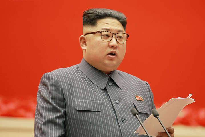 Лідер КНДР Кім Чен Ин певний час не з'являвся на публіці - Кім Чен Ин вперше за три тижні з'явився на публіці з агресивними заявами