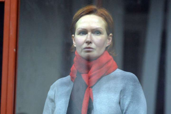 Юлія Кузьменко, підозрювана у справі про вбивство Павла Шеремета — «Справа Шеремета». Жоден з 50 прокурорів не з'явився на останнє судове засідання