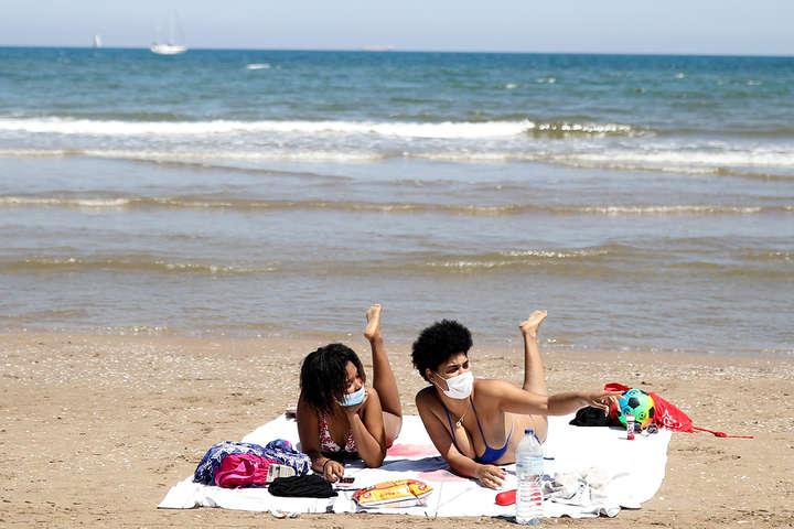 Іноземні туристизможуть подорожувати до Іспаніїз липня - Іспанія з 1 липня скасує карантин для іноземних туристів