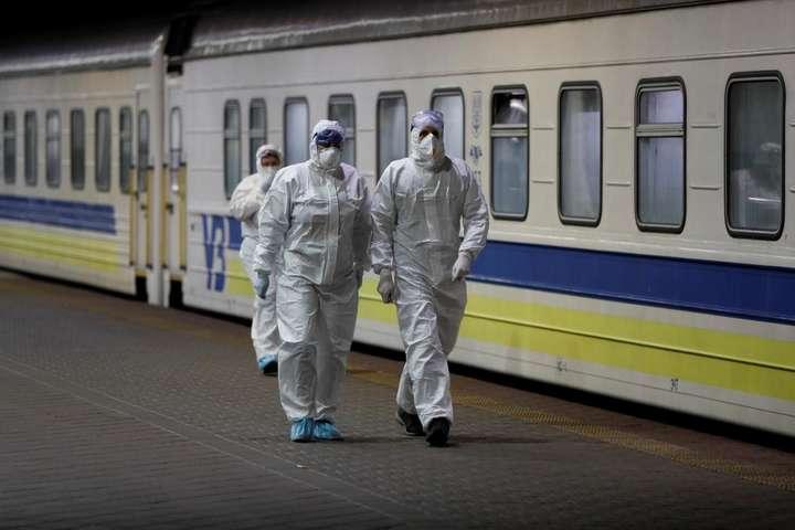 В «Укрзалізниці» запевнили, що буде забезпечена санітарна обробка вагонів між кожними рейсами - В «Укрзалізниці» пояснили нові правила користування поїздами