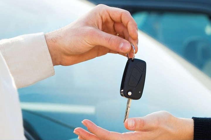 Лише перший продаж транспортного засобу не оподатковується - В Україні значно зріс податок при продажу авто