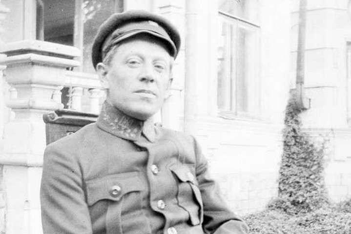 <p>На світлинах зображений Симон Петлюра під час перебування Директорії у Кам'янці-Подільському у 1919 році</p> - Оприлюднено раніше невідомі фото Петлюри у Кам'янці-Подільському