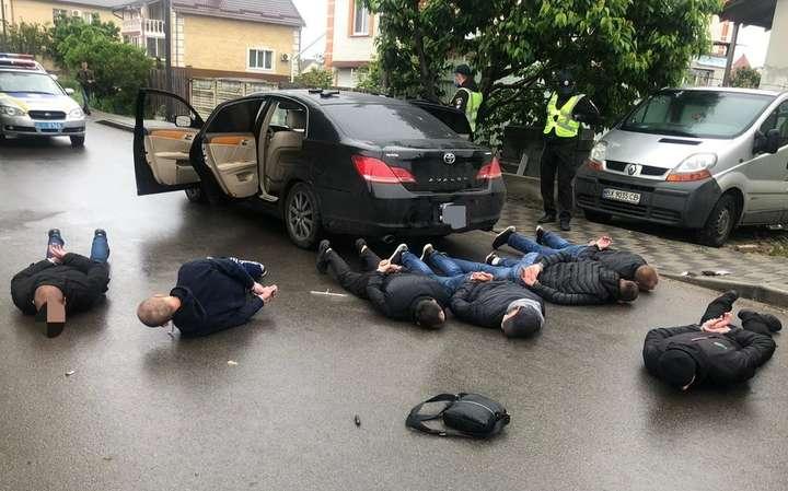 Стрілянина у Броварах: правоохоронцям вдалося затримати 28 осіб, 11 з них прибули з Вінниччини — Бойовик у Броварах. Що переживає маршрутний бізнес і чому це лише початок?