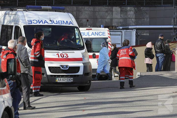 <p>Серед усіх заражених коронавірусом в Україні &ndash; 20% медики</p> - У МОЗ пояснили, чому в Україні багато заражених коронавірусом медиків