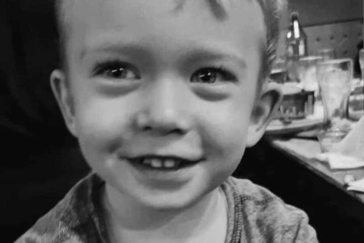 У столичному«Охматдиті» матір не пустили до дитини, яка помирала в реанімації - В реанімації «Охматдиту» помер чотирирічний хлопчик, до якого через карантин не пустили маму