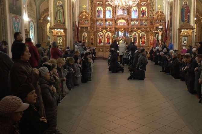 Духовенство надало уряду низку пропозицій щодо послаблення карантину в церквах — Шмигаль анонсував відновлення масових служб у церквах
