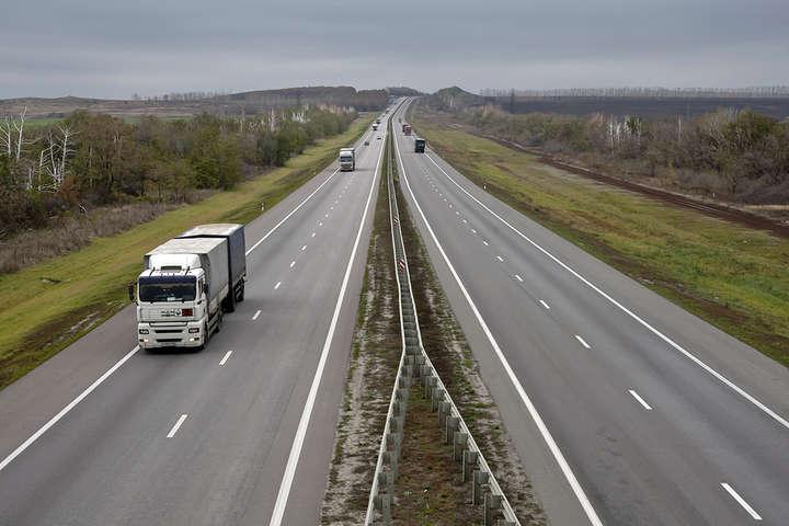 Нардепи хочуть зробити платними дороги для вантажівок — Нардепи хочуть зробити платними дороги для вантажівок