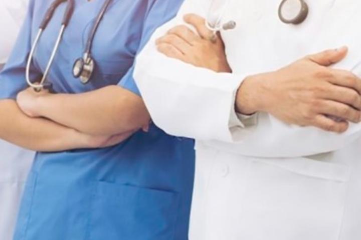 У МОЗ інформують, що підключення до апарату штучної вентиляції легенів потребували 29 медиків і 39 медиків померли від ускладнень Covid-19 - В Україні від коронавірусу одужали майже три тисячі медиків