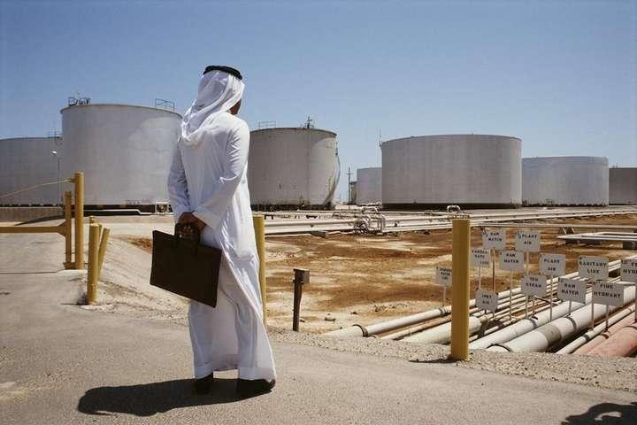 Нинішня ситуація відповідає інтересам Саудівської Аравії, яка зайшла на європейський ринок нафти, впевнено витісняє звідти Росію — Безглуздий російський бунт. Що показало останнє засідання ОПЕК+
