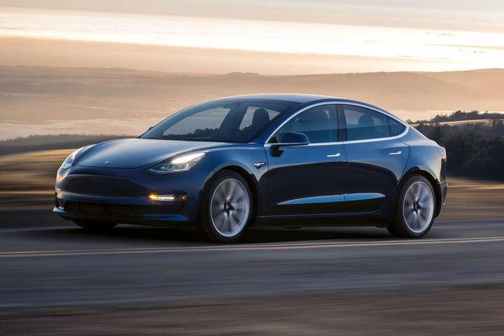 Нещодавно у Tesla почали впроваджувати «цифрову комплектацію»