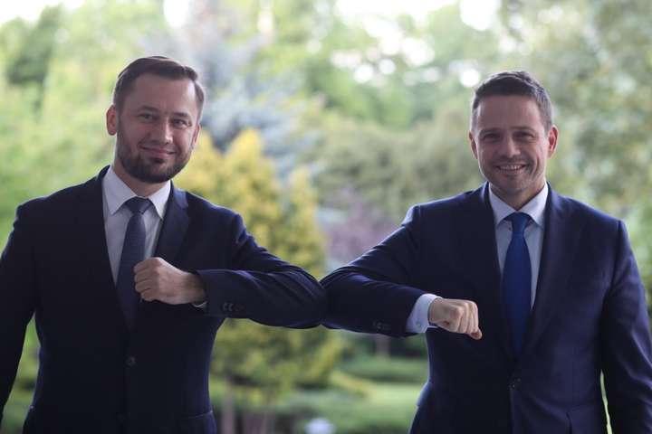 <p>Рафал Тшасковський (справа), якого підтримує опозиційна «Громадянська коаліція», та керівник його штабу Олександр Мишальський (зліва)<i></i></p>