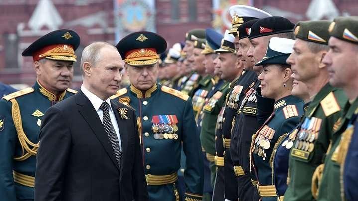Чому міністри оборони Індії та Китаю приїхали до Путіна на парад