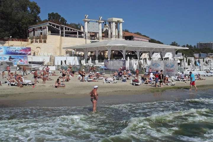 Купатися на пляжі«Аркадія» в Одесі наразі небезпечно - Названо пляжі Одеси, де купатися заборонено