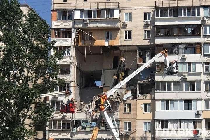 Вибух газу на Позняках забрав п'ять людських життів — Діло в трубі, або Чому в Україні вибухають будинки?
