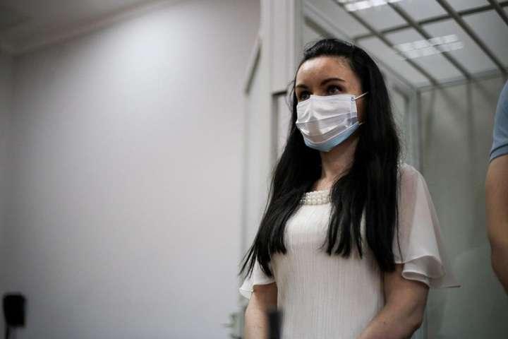 Екссуддя Оксана Царевич під час оголошення рішення суду - Суд виправдав колишню суддю Царевич, яка позбавляла водійських прав автомайданівців