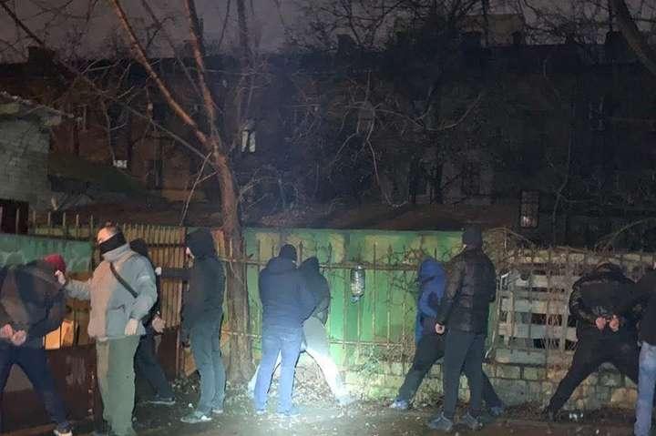 Поліція затримала організовану групу крадіїв у січні 2020 року - На Київщині банда грабувала підприємства, офіси, торгові центри (фото)