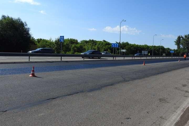 Трасу Київ – Одеса ремонтують за новою технологією (фото)